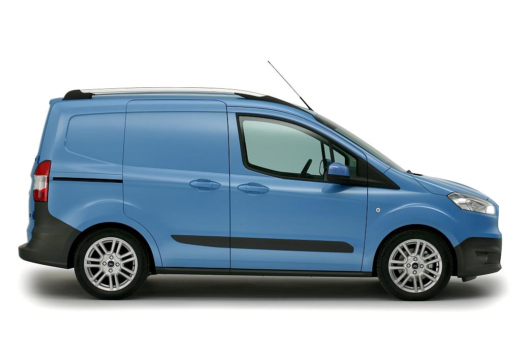 ford transit courier najmniejszy z dostawczych ford w zadebiutuje ju w wakacje. Black Bedroom Furniture Sets. Home Design Ideas