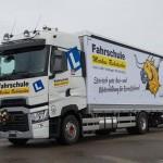 Renault Trucks serii T jako elegancki następca modelu Magnum oraz imponujący zestaw do nauki jazdy