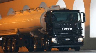 iveco_stralis_cysterna_wlochy