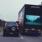 Argentyński system firmy Samsung pokazujący na tylnej ścianie naczepy widok sprzed ciężarówki