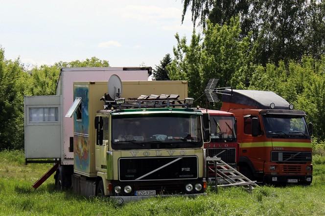 volvo_f1220_luna_park_ezg_ciagnik_siodlowy_naczepa_mieszkalna_2