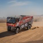 Rajdowe Renault K520 spłonęło na Dakarze, w związku z awarią hamulców. Tymczasem na mecie…