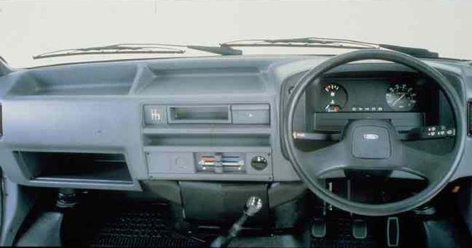 ford_transit_1986_kabina_wnetrze