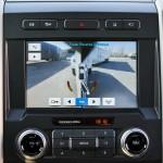 System kamer pomagających w cofaniu z naczepą lub przyczepą, czyli gadżet z największych pickupów