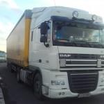 Polska ciężarówka na brytyjskich rejestracjach i z Białorusinem w kabinie, bez świadectwa kierowcy