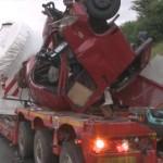 Niemieckie A2: Autobus liniowy wbił się w nocy w Sprintera pilotującego transport ponadnormatywny