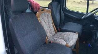 krzeslo_domowe_miedzy_fotelami