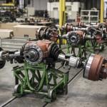 Fabryka firmy Tatra na kilkudziesięciu zdjęciach – tutaj specjalistyczne ciężarówki buduje się ręcznie