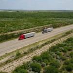 Kolejny praktyczny test ciężarówek z autopilotami – Freightliner połączy zestawy w pary i wyśle na trasę