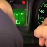 Tetris ukryty w komputerze pokładowym auta dostawczego – oto rosyjski sposób na korki