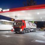 PKN Orlen przejmie Grupę Lotos – co ta zmiana będzie oznaczała dla klientów polskich stacji paliw?