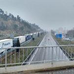 Zimowe zakazy ruchu we Francji oraz w Hiszpanii – setki ciężarówek utknęły przez opady śniegu