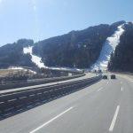 """Władze Tyrolu wzięły na celownik """"busiarzy"""" – czy lekki transport będzie podlegał zakazom?"""