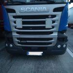 Kolejna Scania, którą nieopodal czeskiej granicy okradziono z przednich reflektorów