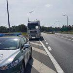ITD jeździło osobowym radiowozem po okolicy, ściągając ciężarówki na Mobilną Linię Diagnostyczną
