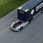 Volvo bez kabiny oraz kierowcy rozpoczęło codzienną pracę – ciężarówka przewozi kontenery